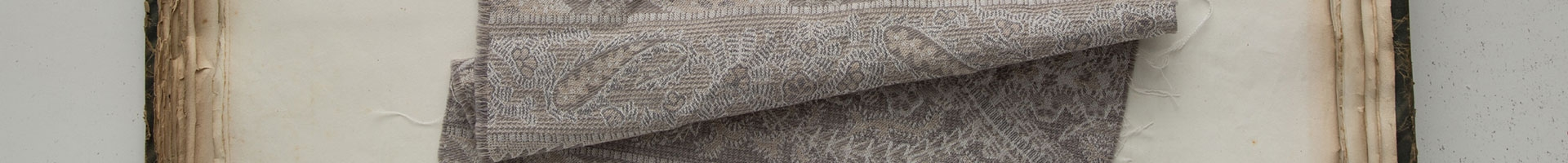 Wool fabric suitable for bedding and curtains